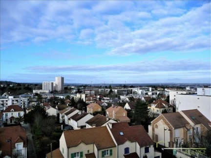 7 pièces: Residence beauharnaisnappartement 131 m2, de 5 chambres