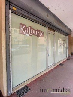 Rueil malmaison: Dans l'une des rues les plus commerçantes du centre