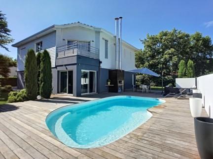 St medard en jalles: 8 pièces: Superbe et rare maison contemporaine de 270 m² sur