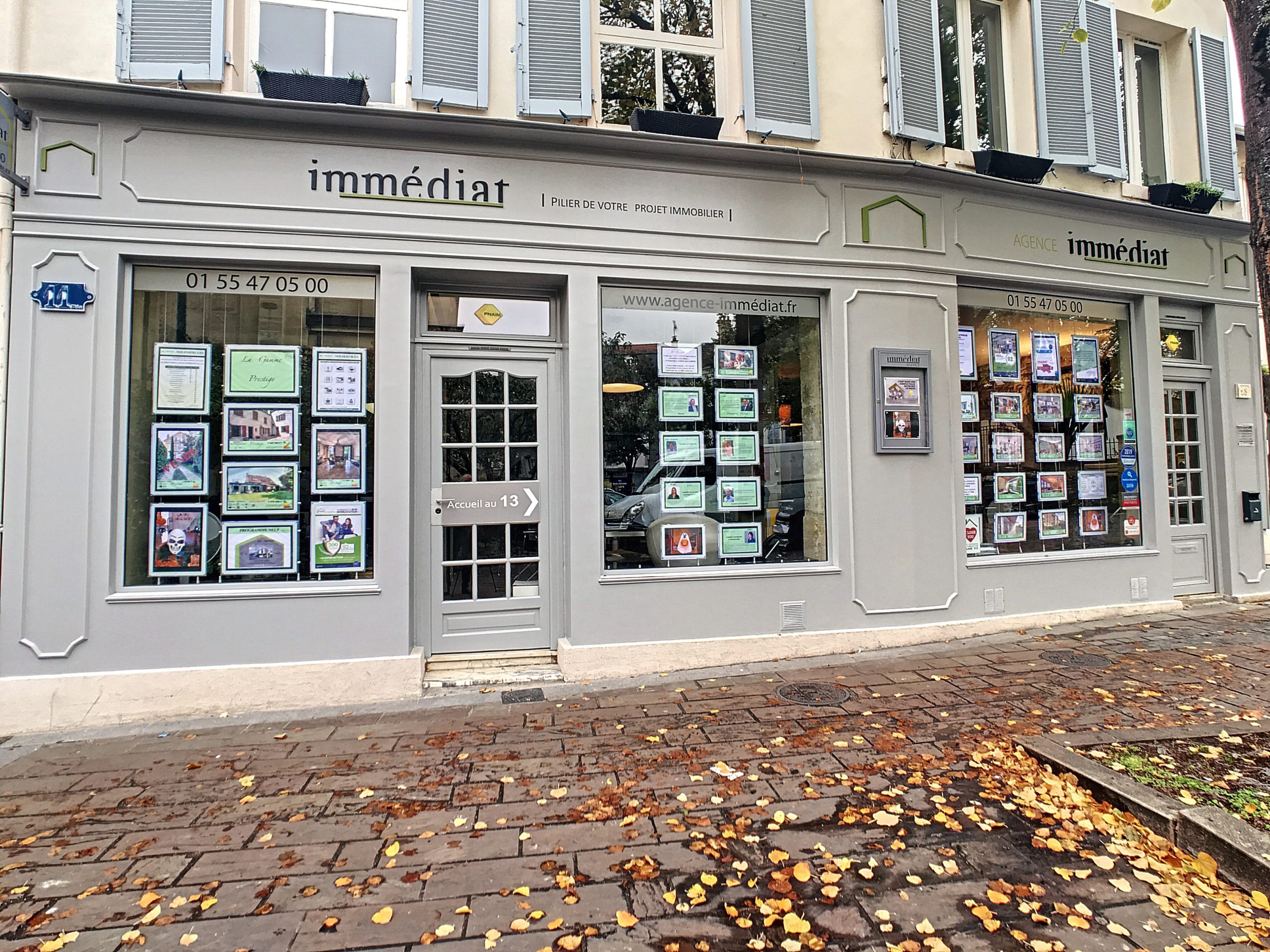 vitrine de l'Agence Immediat à Rueil-Malmaison